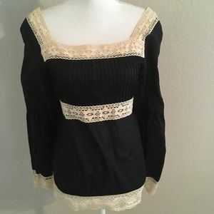 NY & CO BOHO top with lace detail